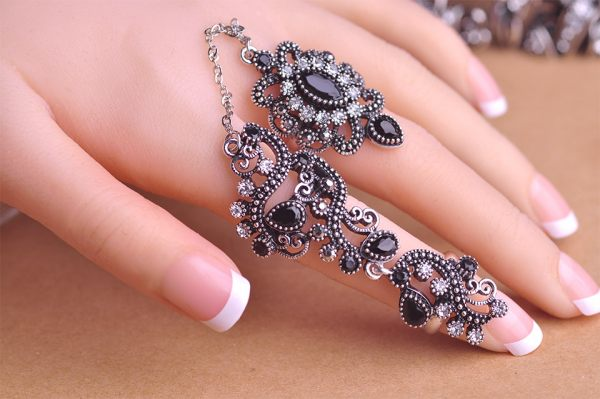 Carved Flowers Vintage Pretty Exquisite Ring